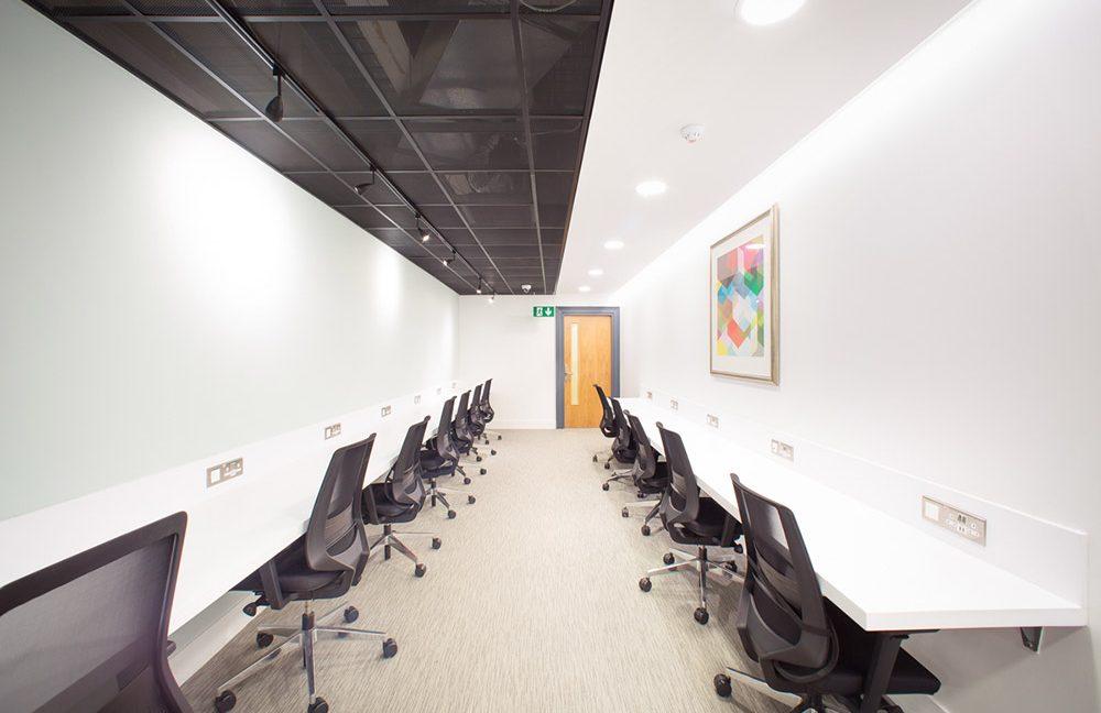 1 Royal Exchange_Desk space