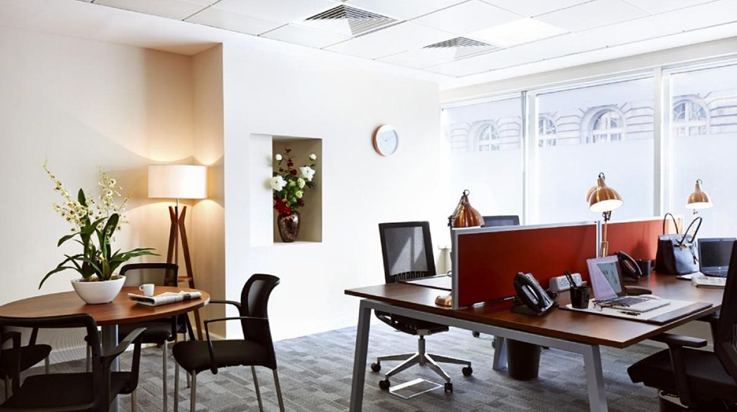 22a St James's Square_Private office