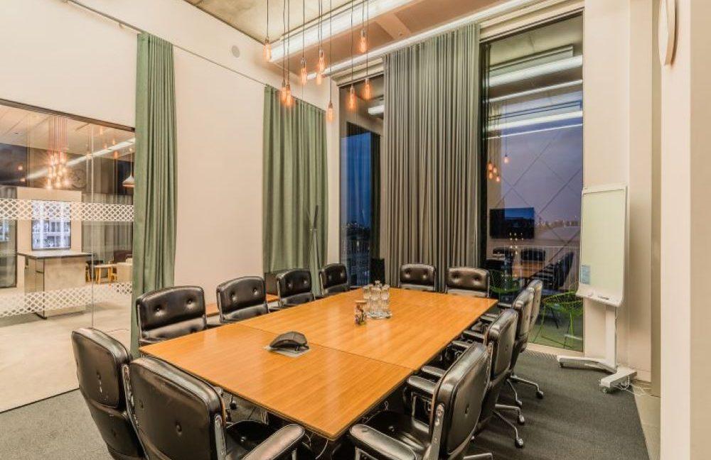 Gridiron Building_Meeting room