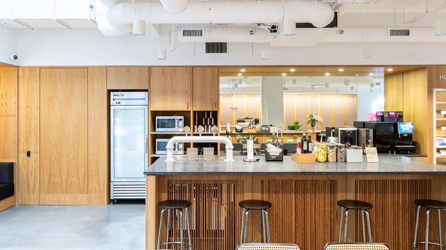 8-14 Meard Street kitchen